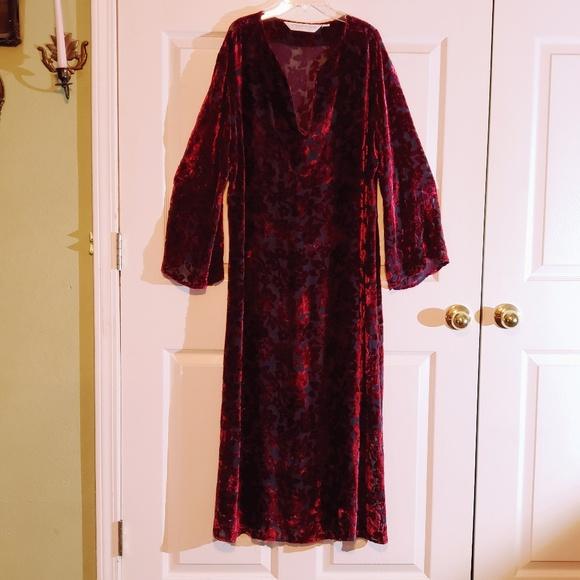 Vintage Victorias Secret Nightgown  Velvet Burnout   Zebra Print  Long sleeve  Slip Dress  Little Black Dress  Lingerie